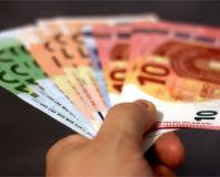 Liburan Akhir Tahun Mau ke Luar Negeri? Simak Tips Menukar Uang Berikut Ini