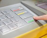 Mau Kredit? Selalu Pahami Aturan Main Bank
